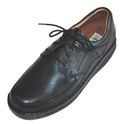 三孔皮鞋鞋带系法图解内容三孔皮鞋鞋带系法图解